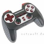 Als einziges Gamepad bietet es zwei zusätzliche Analog-Trigger, die sich sehr gut für Rennspiele eignen.