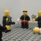 James Bond aus Lego: <a href=http://www.brickfilms.com/films/18 target=blank>You only lego twice</a>.