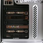 Zwischen den beiden GeForce 8800 Ultra steckt ein Creative Sound Blaster X-Fi XtremeGamer.