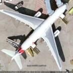 Sogar die Flugzeugbeschriftung lässt sich lesen!