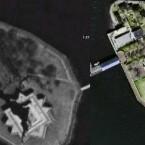 Liberty Island (NWW links, Google rechts)