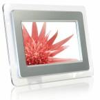 Display: 7 Zoll / Auflösung: 480 x 234 Pixel / Bildschirmformat: 16:9 und 4:3 möglich / Speicherkarte: SD, MMC / Helligkeit: 275 cd/m² / Kontrastverhältnis: 300:1 / USB-Port / Wandhalterung / Abmessungen: 231 x 167 x 29 mm