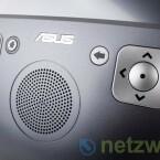 Die Bedienung erfolgt wahlweise über den Touchscreen oder über großzügig dimensionierte Tasten.