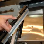 Der Toaster verfügt auch über ein Krümelfach.