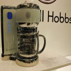 Zur Reihe gehört auch eine Kaffeemaschine.