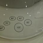 Die Temperatur lässt sich am Wasserkocher per Touch-Feld einstellen.