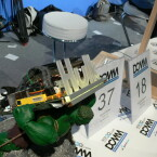 Hulk schleudert einen PC ins Publikum.