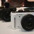 Nach Herstellerangaben ist das neue Modell die kleinste Micro-Four-Thirds-Kamera mit integriertem Blitz.