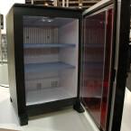 """Zur IFA hat Dometic die lautlose Minibar """"miniCool"""" in einer Sonderedition vorgestellt."""