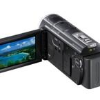 Blick auf das ausgeklappte Display des Sony Camcorders. (Bild Sony)