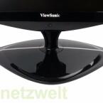 Standfuß und die unterhalb des Viewsonic-Schriftzuges versteckten Tasten zur Bedienung des Monitors.