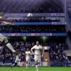 In der Luft und am Boden erwarten den Spieler wieder enge Zweikämpfe. (Bild: EA)