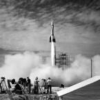 Die NASA hat zahlreiche Bilder bei Flickr Commons veröffentlicht, hier ein Raketenstart von 1950. (Bild: NASA/Flickr)