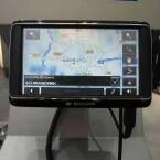 Das aktuelle Top-Modell von Navigon bietet Online-Zugang zu zahlreichen Diensten und eine fünf Zoll großen Bildschirm.