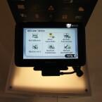 Die TomTom-Geräte Go Live 1000 und Go Live 1005 bieten einen 4,3 Zoll beziehungsweise 5,0 Zoll großen Bildschirm und nehmen Kontakt zu Online-Diensten auf.