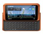 Schick und edel: Das E7 ist ein Slider-Handy mit QWERTZ-Tastatur. Bild: Nokia