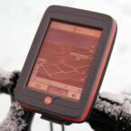 Falk liefert eine Halterung fürs Fahrrad mit, so dass sich das Gerät leicht am Lenker befestigen lässt. Bild: netzwelt
