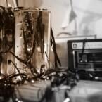 Die Logitech Harmony 300 Remote geht an Yannick F., dessen Walkman nur noch Kabelsalat produziert.