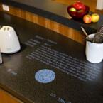 Auch Microsofts Multimedia-Tisch Surface findet sich im Haus der Zukunft. (Bild: Microsoft)