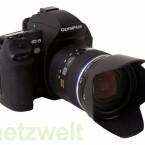 Hochpreisige Spiegelreflexkamera ohne automatische Aufnahmemodi.