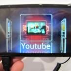 3D trägt das LG Optimus 3D bereits im Namen. Kein Wunder, dass LG den 3D-Funktionen einen extra Drücker spendiert hat. Über diesen gelangt der Nutzer zum Beispiel zum 3D-Channel von YouTube. (Bild: netzwelt)