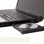 DVD-Brenner und zwei USB-Anschlüsse.