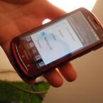 Die neue Version der Sony Ericsson eigenen Nutzeroberfläche für Android erlaubt nun auch das Anlegen von Ordner auf dem Startbildschirm. (Bild: netzwelt)