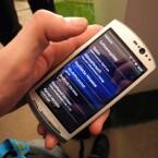 Auf beiden Modellen, hier im Bild das Xperia Neo, wird Android laufen. (Bild: netzwelt)