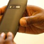 Das Multimedia-Smartphone weist eine 8-Megapixel-Kamera auf. (Bild: netzwelt)