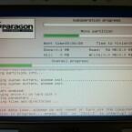 Während des Neustarts erstellt die Freeware die neue Partition. Ein mögliches Flackern des Bildschirms während dieser Aufgabe ist normal. (Bild: Screenshot)