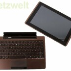 Das Tablet lässt sich bequem an der Tastatur anschließen, aber auch wieder trennen.