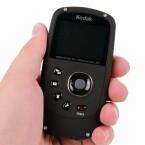 Die Kamera lässt sich sicher greifen und liegt bequem in der Hand.