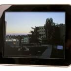 Zehn Zoll großer digitaler Bilderrahmen mit Internetanbindung über WLAN.