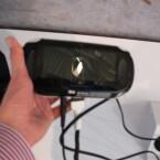 Das Touchpad auf der Rückseite ist eines von vielen neuen Steuerungsmöglichkeiten. (Bild: netzwelt)