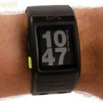 Standardmäig zeigt die GPS-Uhr die Uhrzeit an. (Bild: netzwelt)