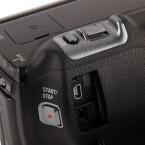 Der USB-Anschluss und die Buchse für den Stromstecker. (Bild: netzwelt)