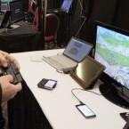 Sofern das Smartphone per HDMI mit einem Monitor oder Fernseher verbunden ist, kann auch auf größeren Bildschirmen gespielt werden. (Bild: netzwelt)