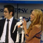 Mit Informationen über den Roboter hielt sich Tosy Robotics zurück. (Bild: netzwelt)