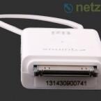 Der DVB-T-Stick passt in den Dock-Anschluss des iPads.
