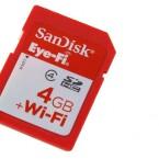 Die SDHC-Speicherkarte verfügt über ein WLAN-Modul. (Bild: netzwelt)