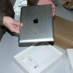 Das neue Apple iPad bietet wieder einen Metall-Rücken. (Bild: netzwelt)