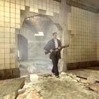 Nachdem Max Payne einige Angreifer erledigt hat, schreitet er schreitet durch die Ruinen. (Bild: Rockstar Games)