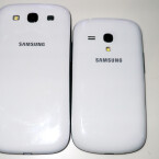 """Das Galaxy S3 (links) und sein """"kleiner Bruder"""" das Galaxy S3 Mini. (Bild: netzwelt)"""