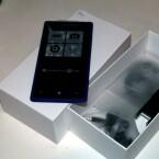 Das HTC 8X von netzwelt ist blau. (Bild: netzwelt)