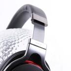 Trotz viel Liebe zum Detail sind die Sony-Kopfhörer robust. (Bild: netzwelt)