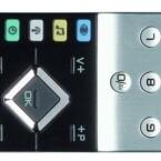 Weltoffen: Die mitgelieferte Fernbedienung  kommt nicht nur mit dem Caleo-Fernseher zurecht, sondern ist für viele Geräte vorprogrammiert. Die Funktionstasten sind frei belegbar. (Bild: netzwelt)