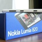 Mit 160 Gramm ist das Lumia 820 ein Schwergewicht unter den aktuellen Smartphones. (Bild: netzwelt)