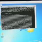 Einige Sekunden lang läuft der schädliche Code über den Bildschirm. (Bild: netzwelt)