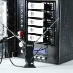 Per DVB-T-Stick wird der Netzwerkspeicher zum TV-Empfänger.  (Bild: netzwelt)