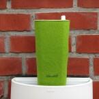 Das Design erinnert ein wenig an eine Blumenvase. Doch Vorsicht: Wasserfest ist der Lautsprecher leider nicht. (Bild: netzwelt)